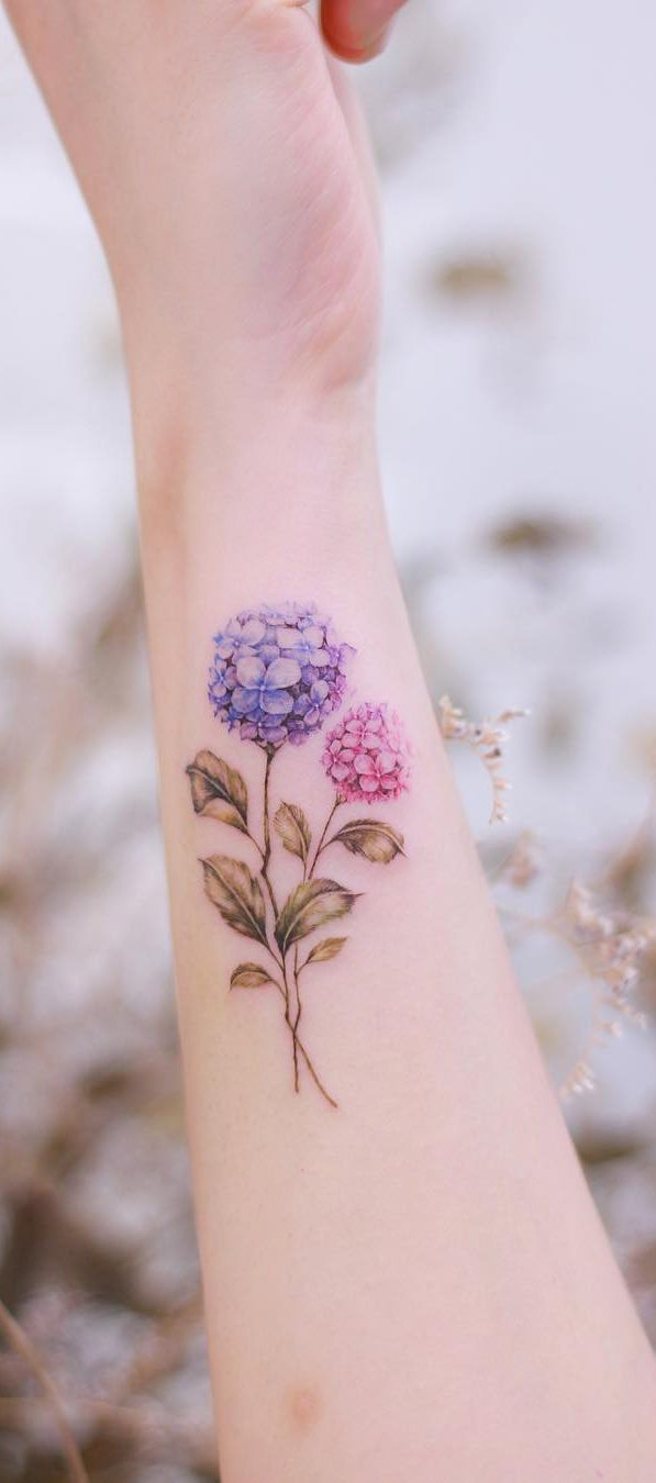 30-cute-and-tiny-flower-tattoos-designs-for-women-2019