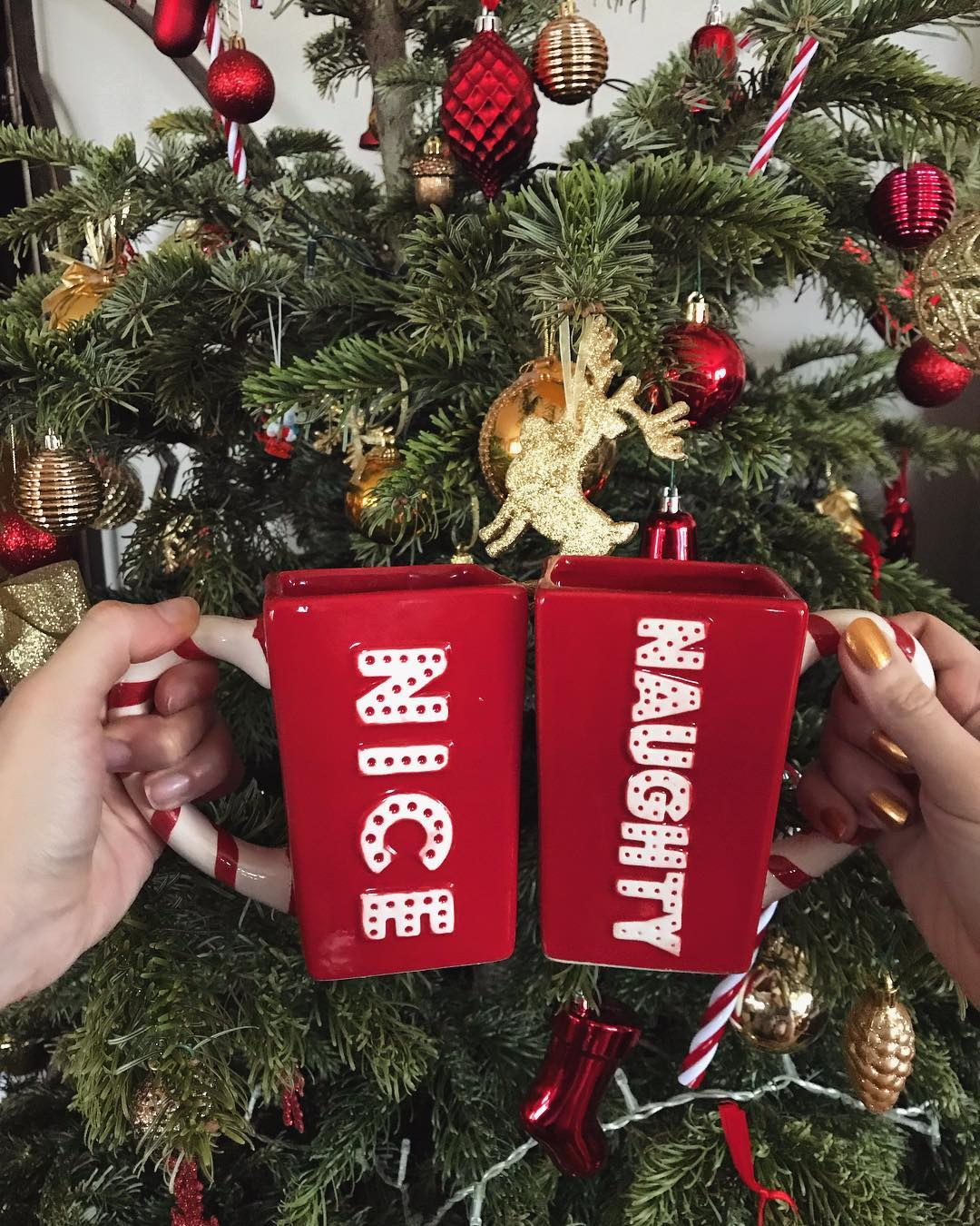 winter-is-warmer-with-creative-christmas-mug-designs