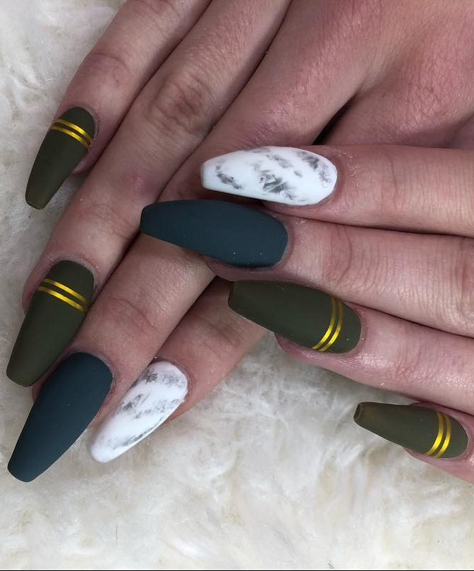 50 Fabulous Free Winter Nail Art Ideas 2019 - Page 34 of 53