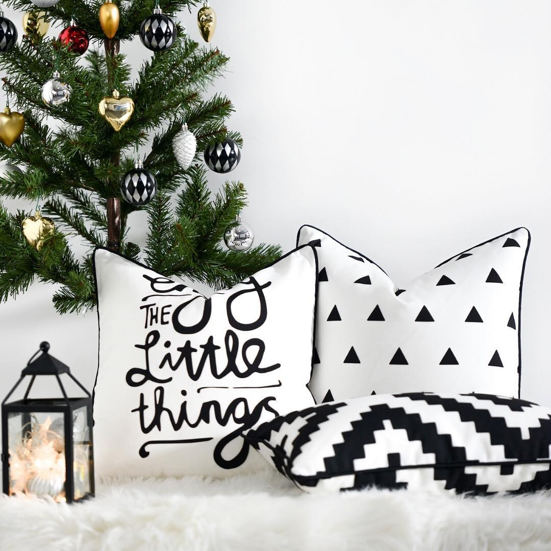 christmas-cushions-that-should-be-in-the-corner-of-your-home